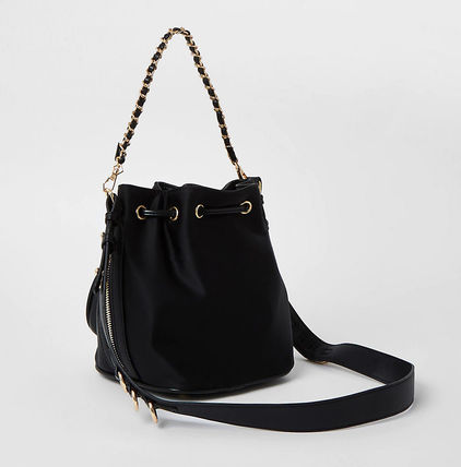 Casual Style Chain Logo Shoulder Bags