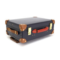 GLOBE TROTTER Unisex Carry-on Luggage & Travel Bags