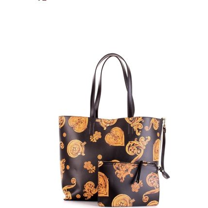 Heart Casual Style A4 Bi-color Elegant Style Logo Totes