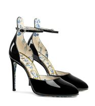 GUCCI GUCCI Flower Patterns Patent leather pump