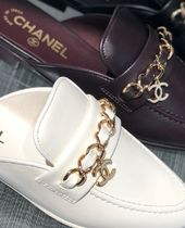 CHANEL Chain Plain Leather Elegant Style Slippers Logo Sandals