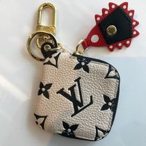 Louis Vuitton MONOGRAM Lv Crafty Square Pouch Bag Charm And Key Holder