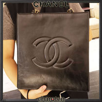 CHANEL ICON Casual Style Unisex Calfskin A4 2WAY Chain Plain Leather