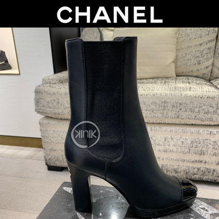 CHANEL Logo Plain Toe Round Toe Enamel Plain Leather Block Heels