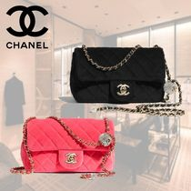 CHANEL Chain Plain Party Style Elegant Style Logo Party Bags