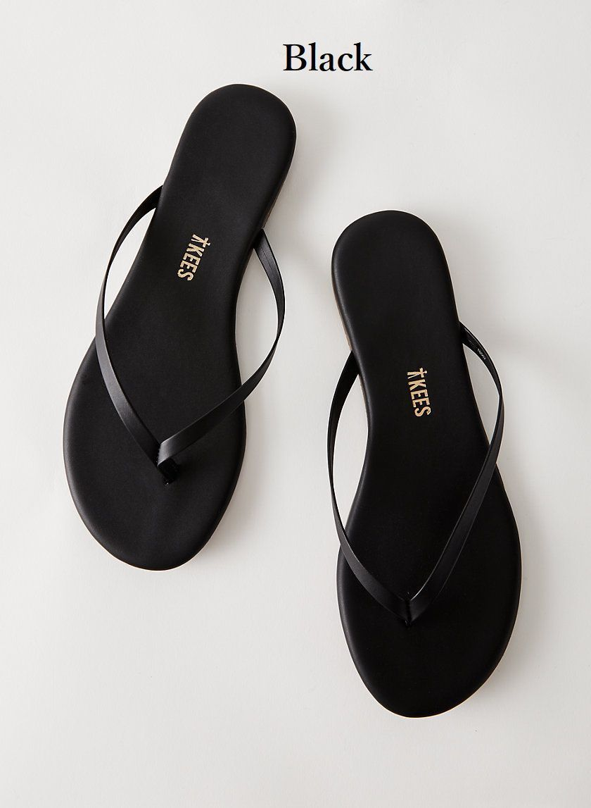 shop aritzia shoes