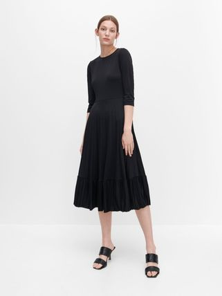 Casual Style A-line Flared U-Neck Cropped Plain Medium