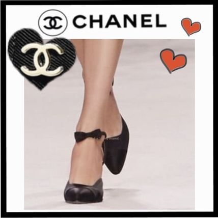 CHANEL ICON Blended Fabrics Plain Elegant Style High Heel Pumps & Mules