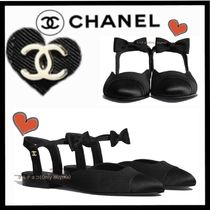 CHANEL ICON Blended Fabrics Plain Elegant Style Pumps & Mules