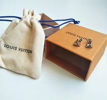 Louis Vuitton V Essential V Stud Earrings