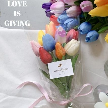 LOVE IS GIVING Decorative Objects