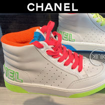CHANEL Bi-color Leather Logo Neon Color Sneakers