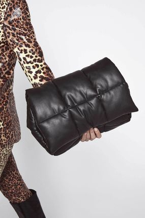 Casual Style Faux Fur 2WAY Plain Crossbody Clutches
