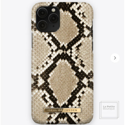 Unisex Faux Fur Other Animal Patterns Python iPhone 8