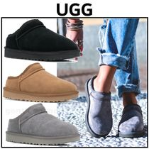 UGG Australia CLASSIC SLIPPER Round Toe Casual Style Suede Street Style Plain Slippers