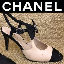 CHANEL ICON Plain Toe Casual Style Bi-color Leather Pin Heels Handmade