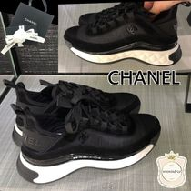 CHANEL SPORTS Leather Elegant Style Logo Low-Top Sneakers