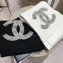 CHANEL Unisex Plain Logo Knit & Fur Scarves