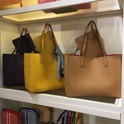 Tory Burch Casual Style A4 Plain Leather Office Style Logo Totes