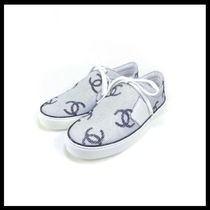 CHANEL Unisex Plain Logo Sneakers