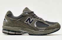 New Balance 2002 Sneakers