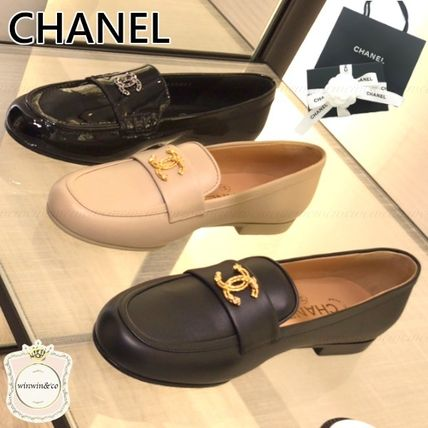 CHANEL Leather Elegant Style Loafer & Moccasin Shoes