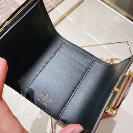 Louis Vuitton Dauphine Compact Wallet