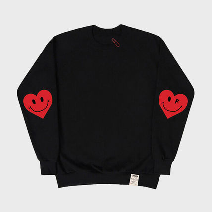 GRAVER Crew Neck Heart Unisex Street Style Long Sleeves Cotton