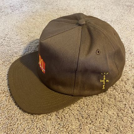 Street Style Collaboration Caps