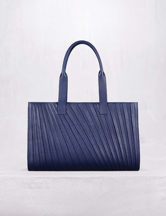 Unisex Calfskin Street Style A4 2WAY Leather Logo Totes