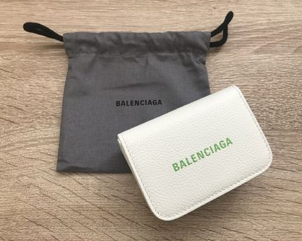 BALENCIAGA Unisex Calfskin Plain Leather Folding Wallet Logo