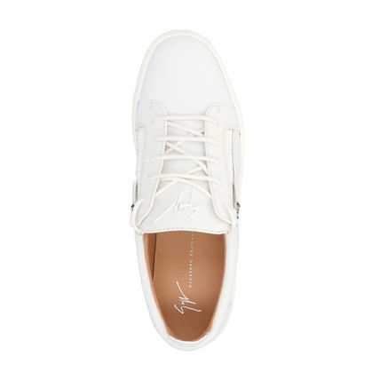 Plain Leather Logo Sneakers