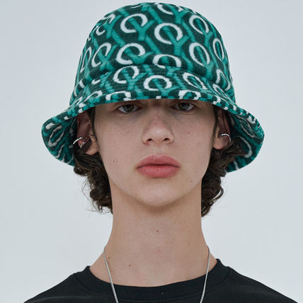 OY Wide-brimmed Hats