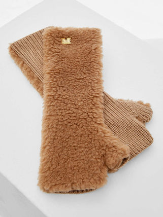 MaxMara Muff Teddy Gloves