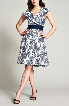 Flower Patterns A-line Medium Bridal Dresses