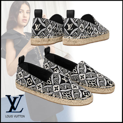 Louis Vuitton Casual Style Logo Low-Top Sneakers