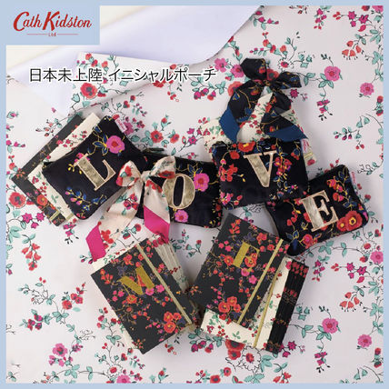 Flower Patterns Monogram Logo Pouches & Cosmetic Bags
