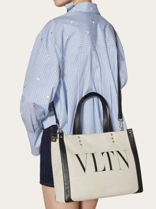 VALENTINO Street Style Office Style Shoulder Bags