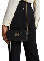 GUCCI Street Style Shoulder Bags