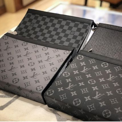 Louis Vuitton MONOGRAM Pochette Voyage Mm