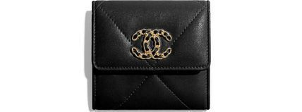 CHANEL Chanel 19 Small Flap Wallet