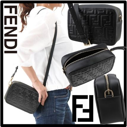 FENDI Casual Style Street Style Formal Style  Logo Shoulder Bags