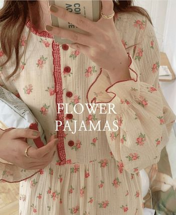 Flower Patterns Lounge & Sleepwear
