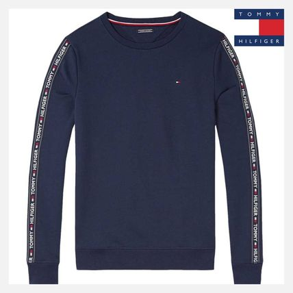 Tommy Hilfiger Sweatshirts Long Sleeves Logos on the Sleeves Logo Sweatshirts
