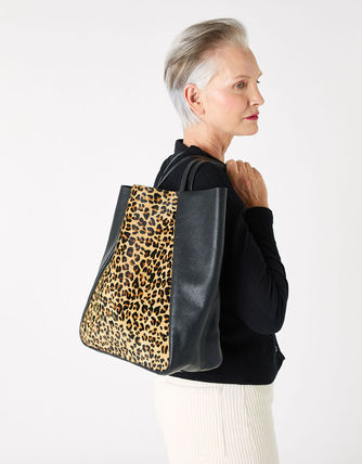 Leopard Patterns Casual Style Suede Blended Fabrics A4 Chain