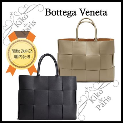 BOTTEGA VENETA ARCO A4 Plain Leather Totes
