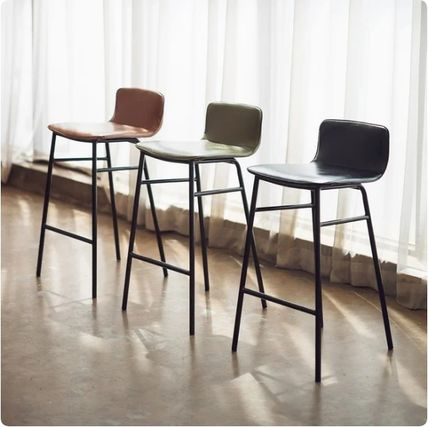 Vervet Furniture Table & Chair