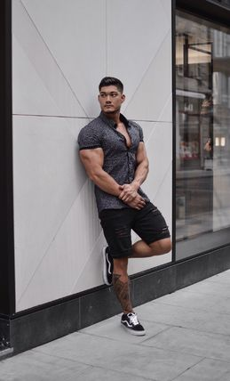 Button-down Short Sleeves Shirts