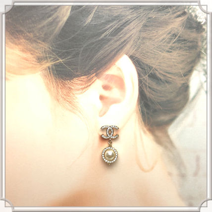 CHANEL  [CHANEL] CRYSTAL GOLD LARGE CC LOGO FAUX PEARL DROP EARRING