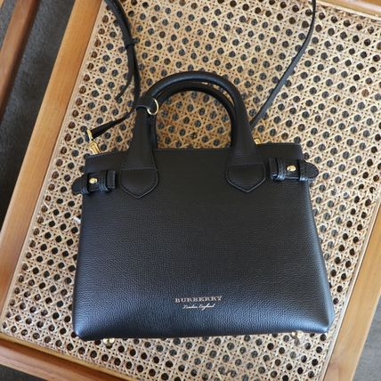Burberry 2WAY Leather Office Style Elegant Style Satchels